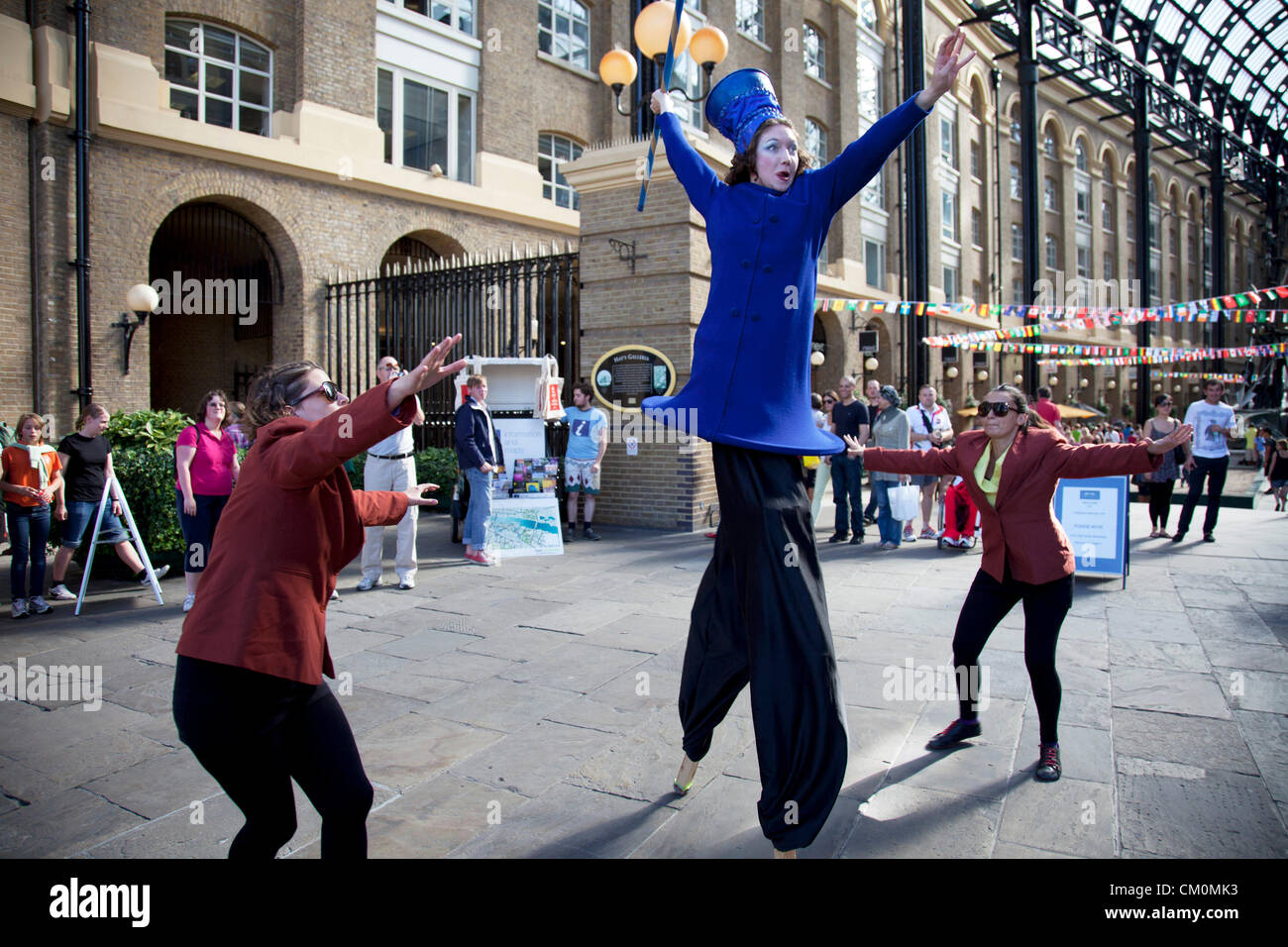 London, UK. 8th September, 2012. Performers perform a short play at Hays Galleria making fun of Olympic sports. - Stock Image