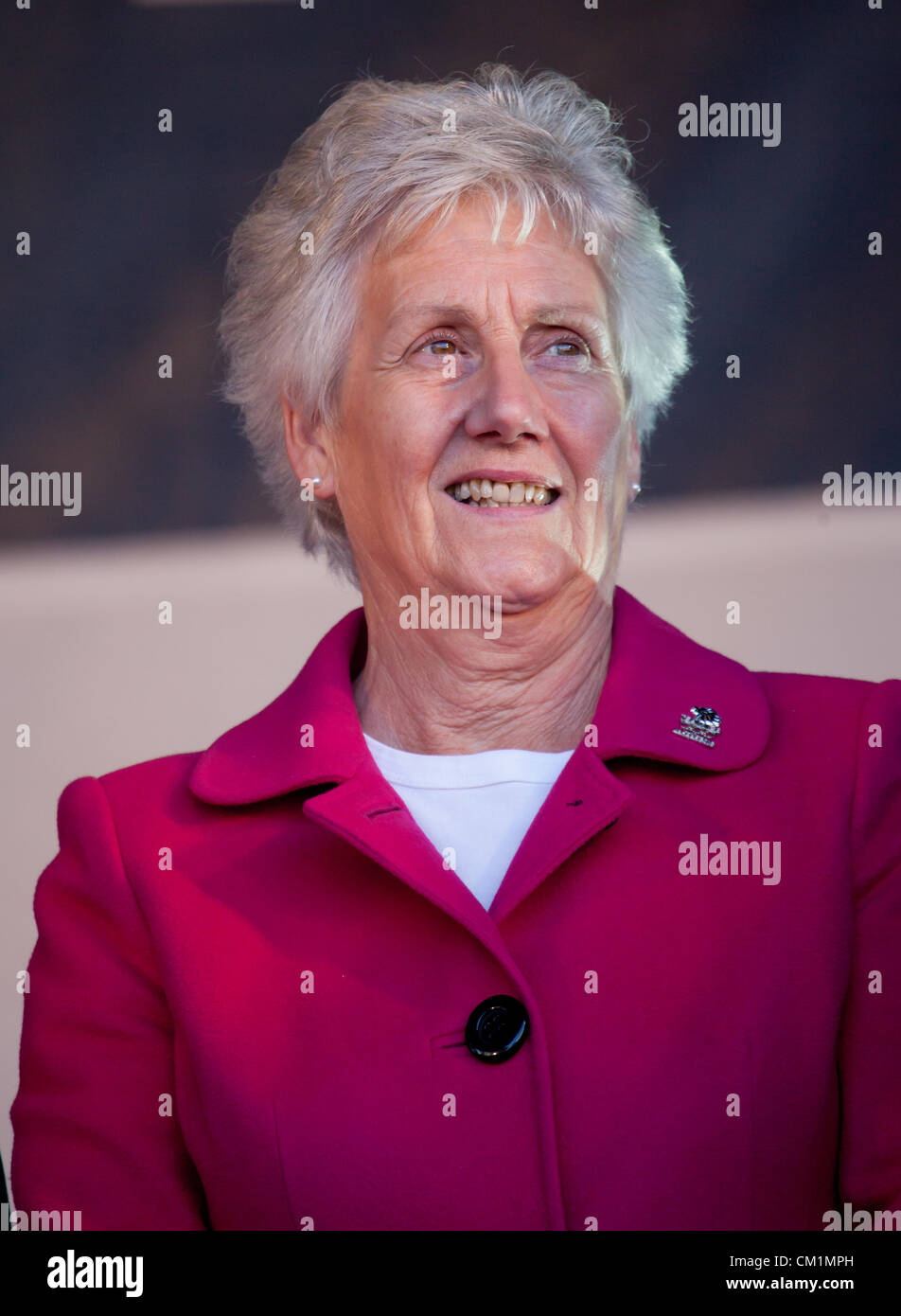 14th September, 2012. Louise Martin, CBE, chair of Sportscotland, awaits the arrival of the athletes at the end - Stock Image