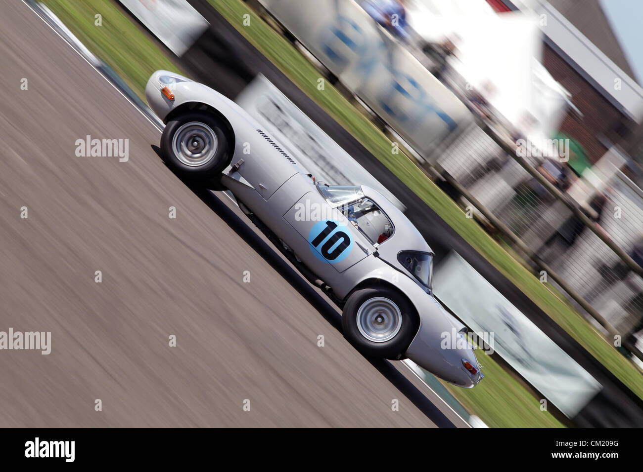 Goodwood Estate, Chichester, UK. 15th September 2012. Ludovic Lindsay driving a 1961 Jaguar E-type lightweight during - Stock Image