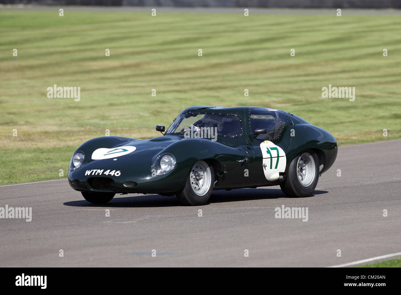 Goodwood Estate, Chichester, UK. 15th September 2012. Richard Attwood driving a 1963 Lister Jaguar coupe during - Stock Image