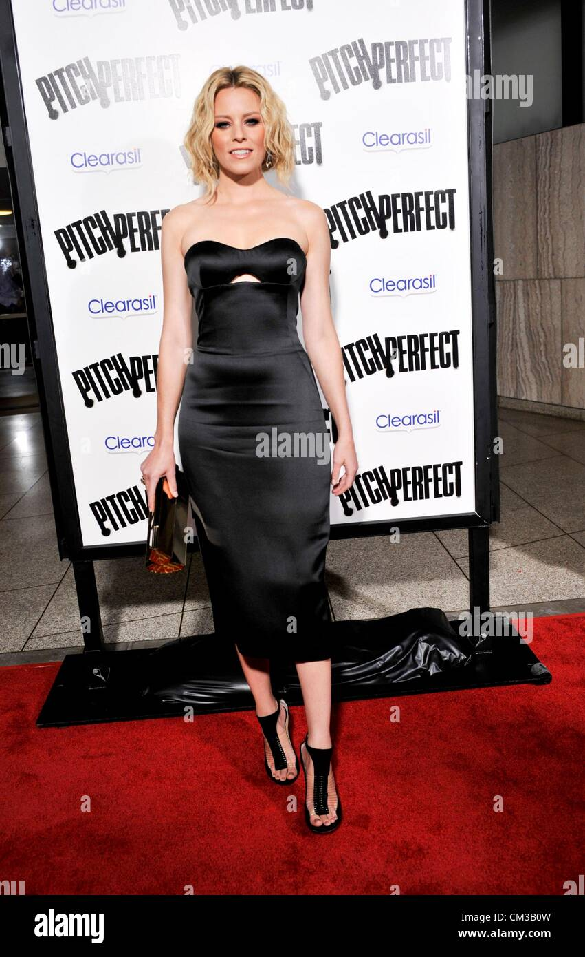 Elizabeth Banks arrivals PITCH PERFECT Premiere Arclight Hollywood Los Angeles CA September 24 2012 Photo Elizabeth - Stock Image