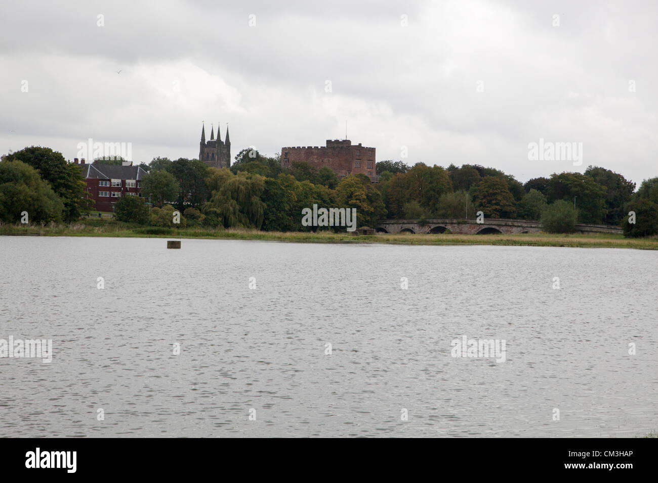 Tamworth, UK. 26th September 2012. What is usually a field lies under feet of water after the River Tame in Tamworth - Stock Image
