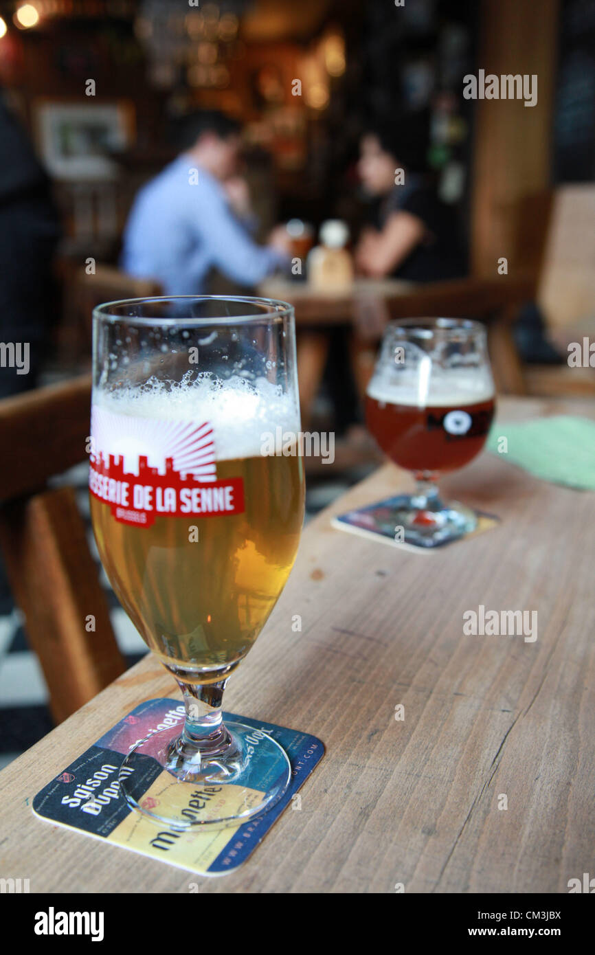 Sep. 10, 2012 - Brussels, Belgium - Glasses of beer in the famous bar Chez Moeder Lambic, near the impressive Maison - Stock Image
