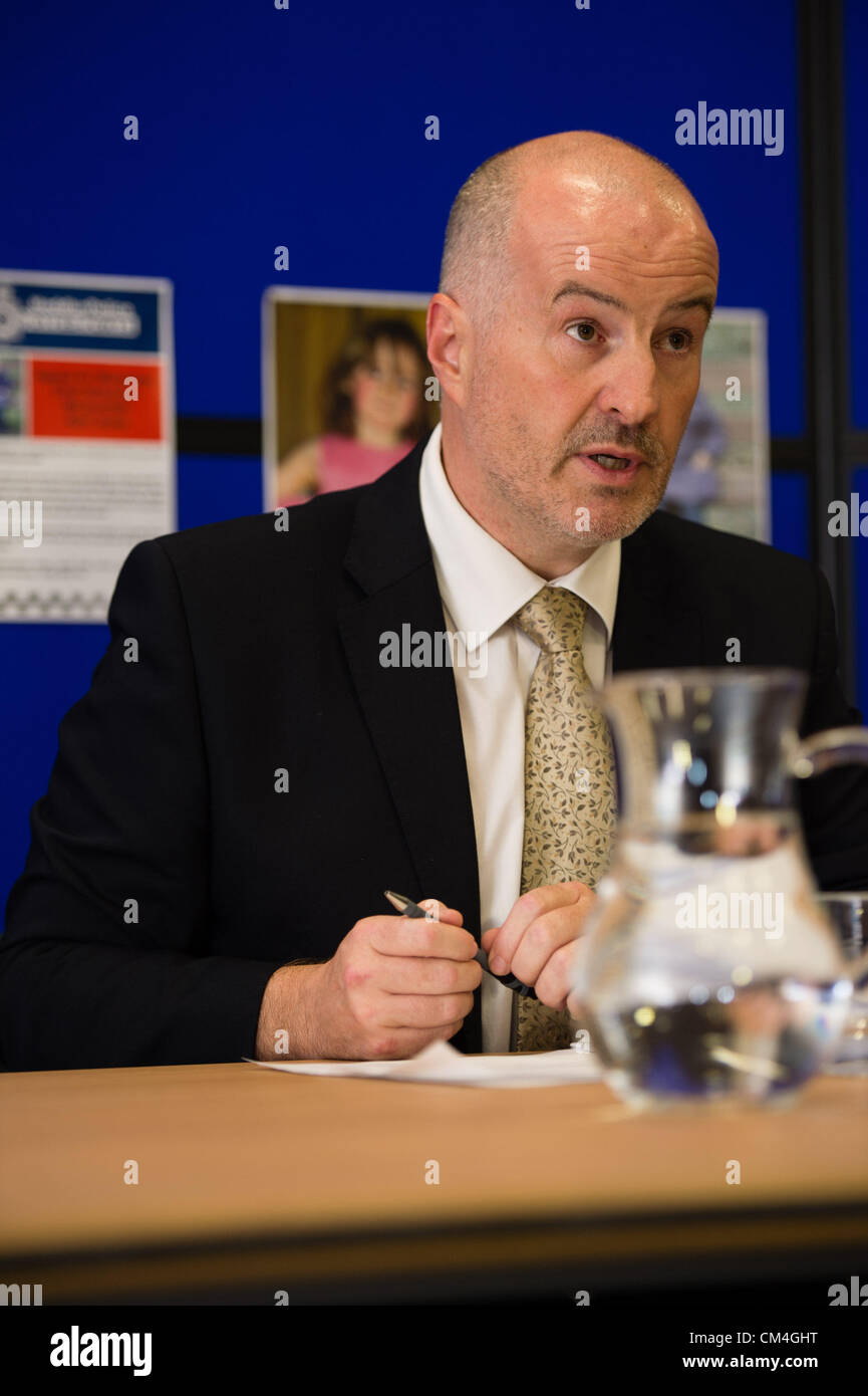 Oct 2 2012, Aberystwyth UK: Detective Superintendant REG BEVAN at a press conference updating information on the - Stock Image