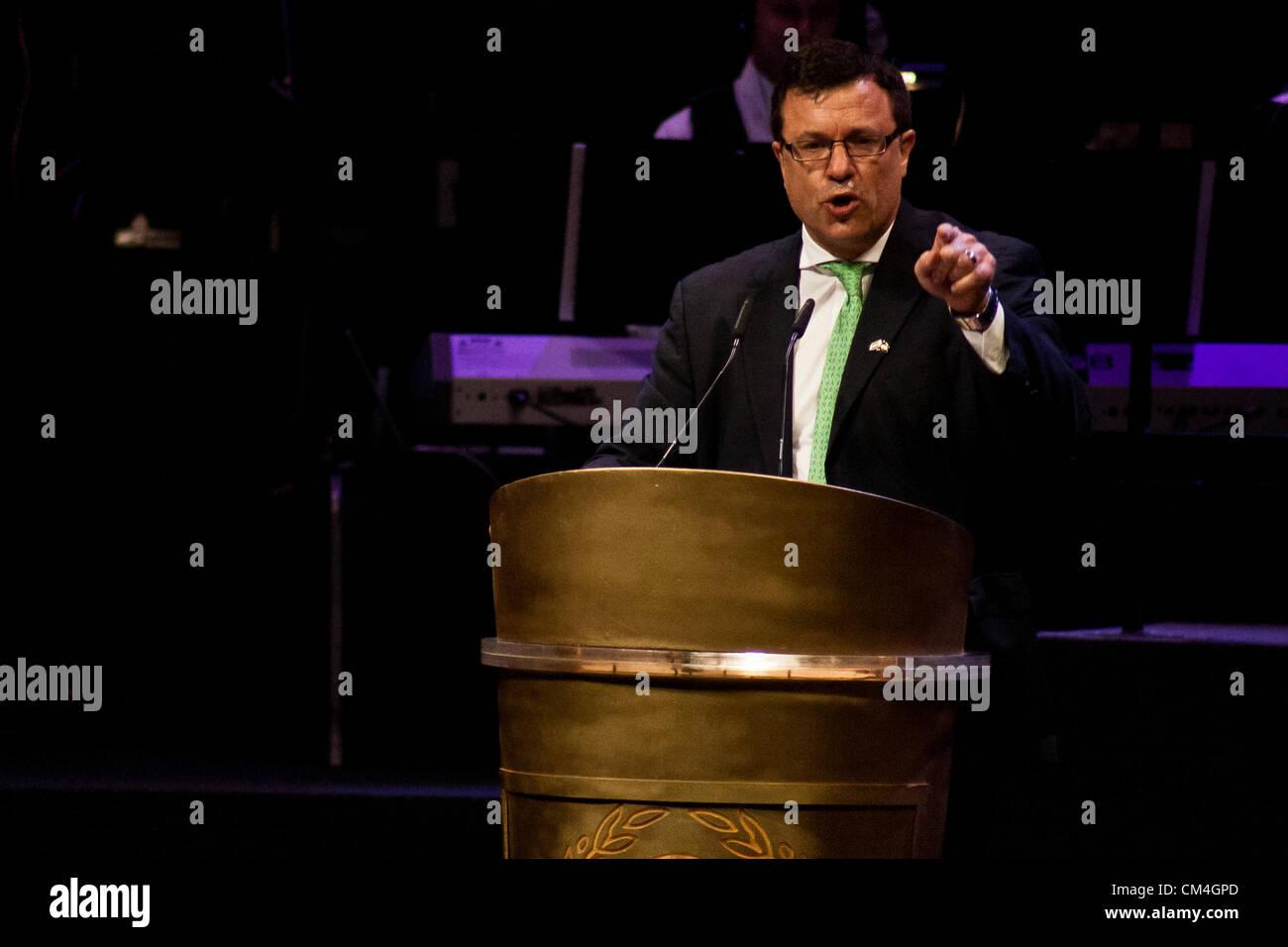 Dan Diker, Secretary-General of the World Jewish Congress, addresses thousands of Christians at an evening event Stock Photo