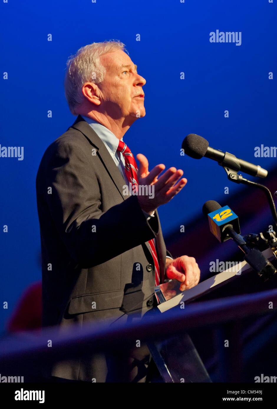 Oct 4, 2012 - GARDEN CITY, NEW YORK U.S. - NY State Senator KEMP HANNON, speaks at new JetBlue Sky Theater Planetarium - Stock Image