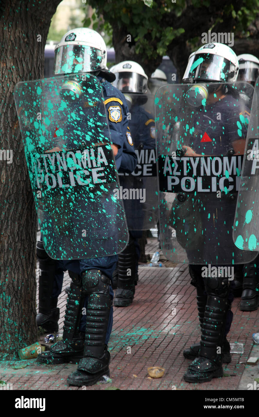 Athens, Greece. Tuesday 09 October 2012  Pictured: Riot police have been thrown paint by protesters in Syntagma - Stock Image