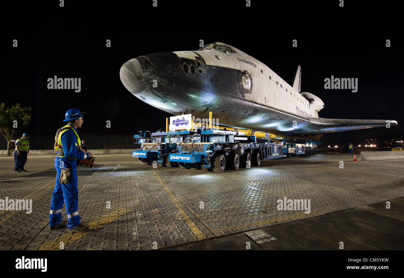 California, USA. 12th October 2012. NASA space shuttle Endeavour begins a 12-mile trip by road to its new home at Stock Photo
