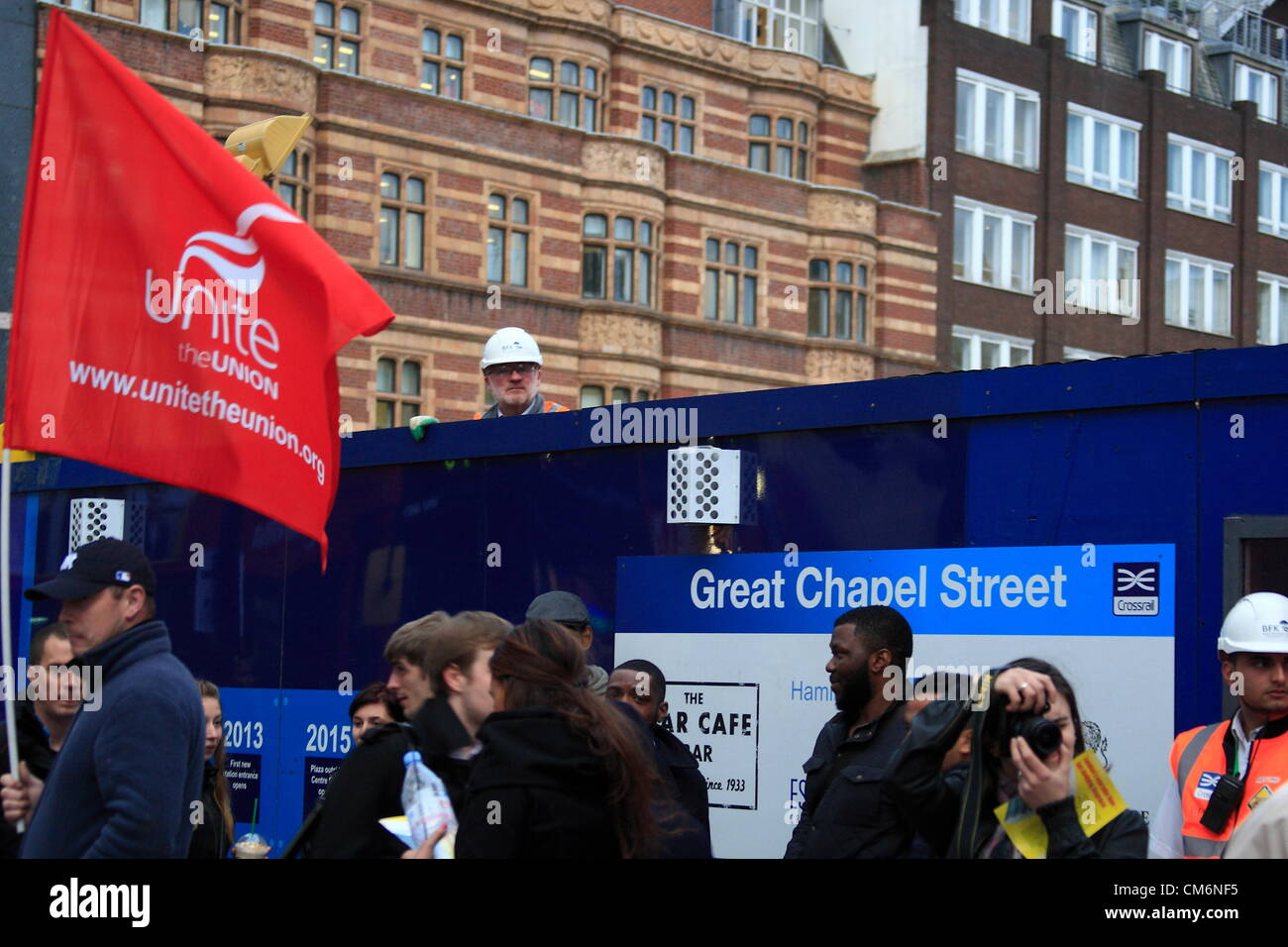 London, UK. Wednesday 17th October  2012. Flashmob protest at Crossrail site in Central London by Unite union memebrs Stock Photo