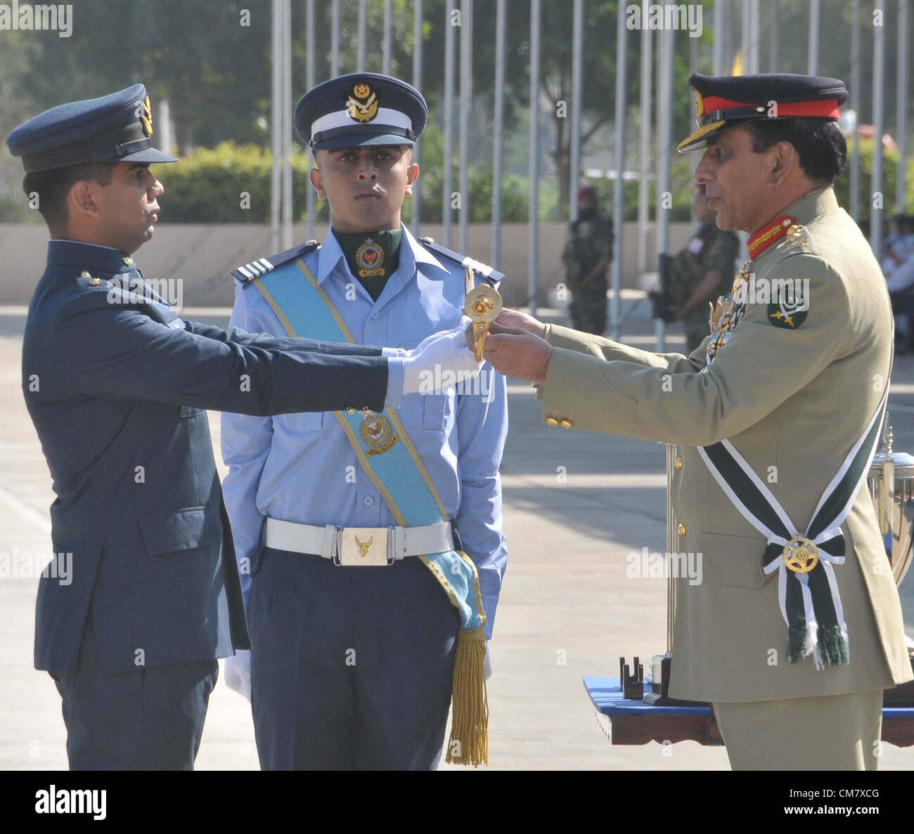 Chief of the Army Staff, Gen Ashfaq Pervez Kiyani awards