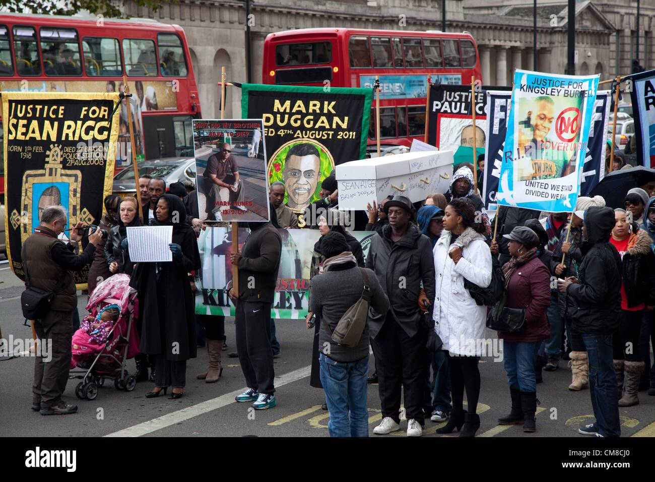 London, UK. 27th October 2012 Family members and friends had banners and signs with the names and pictures of the - Stock Image