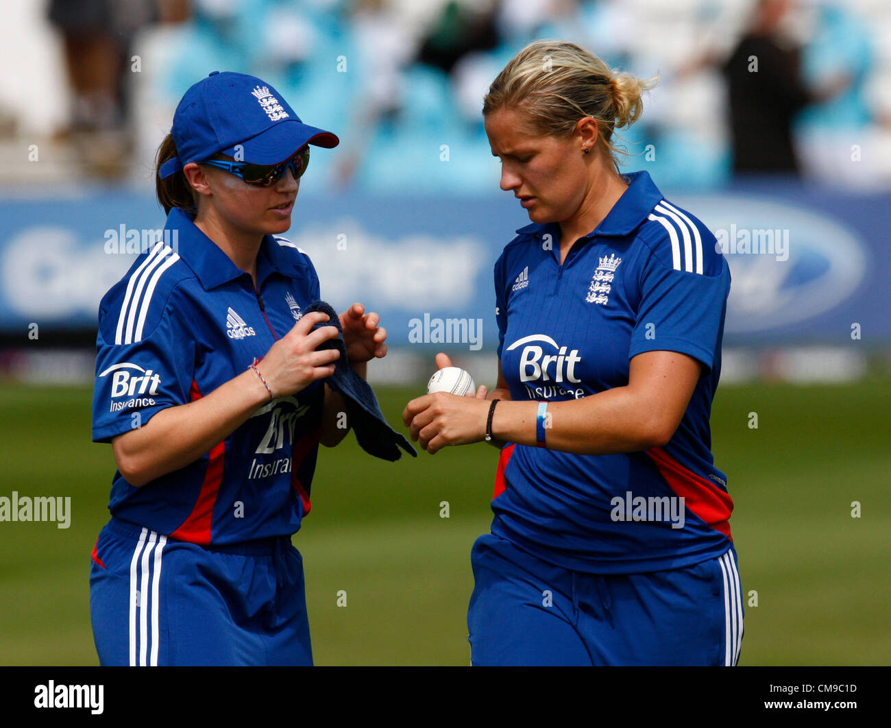 28.06.12 Chelmsford, ENGLAND:  Holly Colvin of England and Katherine Brunt of England during NatWest Women's - Stock Image