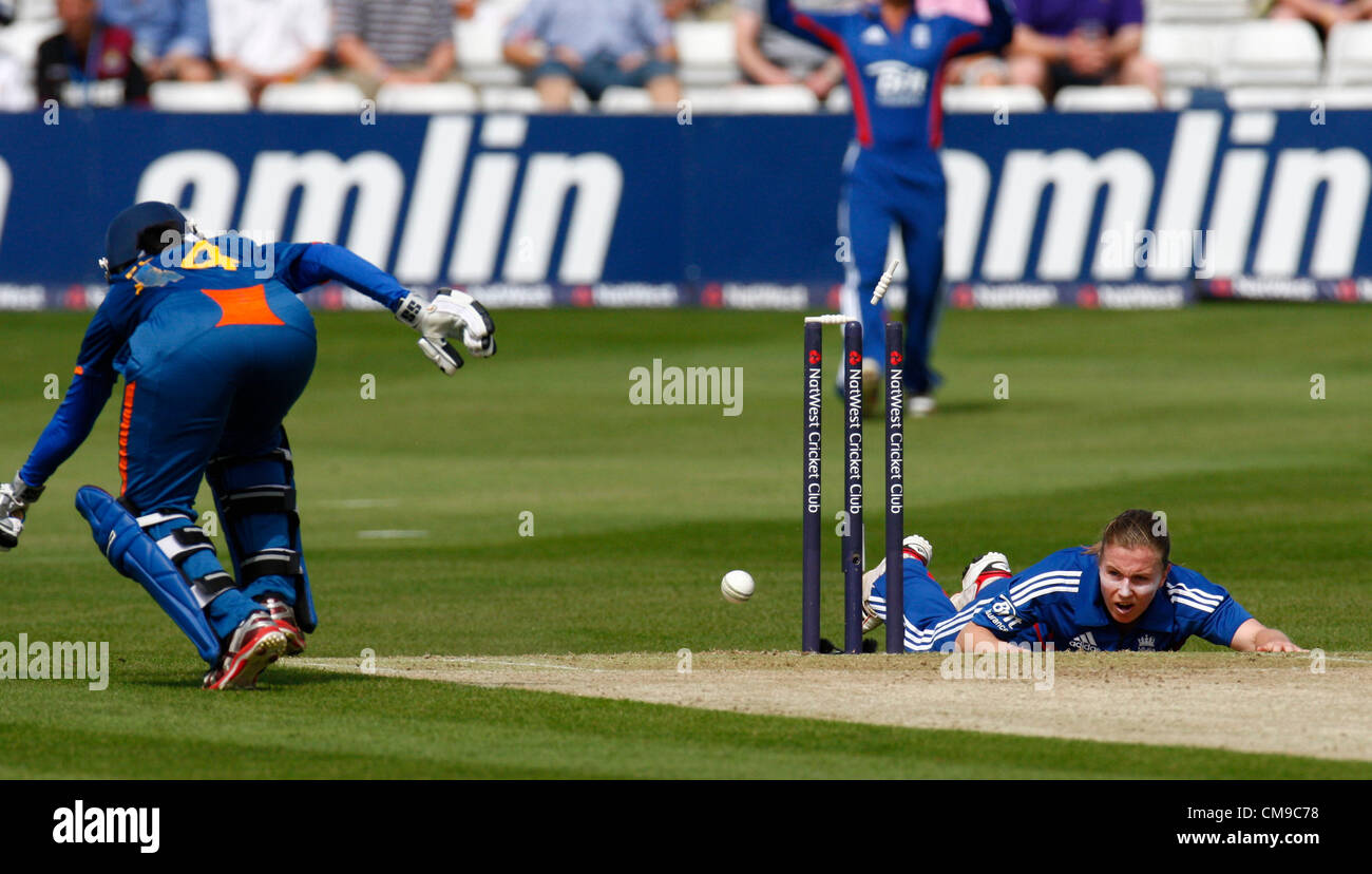 28.06.12 Chelmsford, ENGLAND:  Holly Colvin of England run out Poonam Raut of India during NatWest Women's International - Stock Image