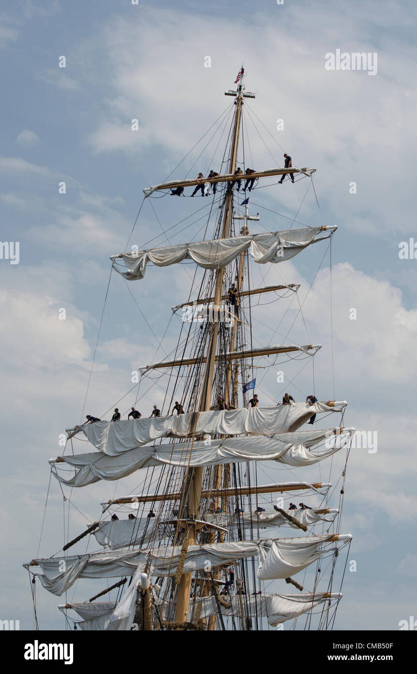 New London, Connecticut, USA - July 7, 2012: The US Coast Guard tall ship Eagle lands at Fort Trumbull during the - Stock Image