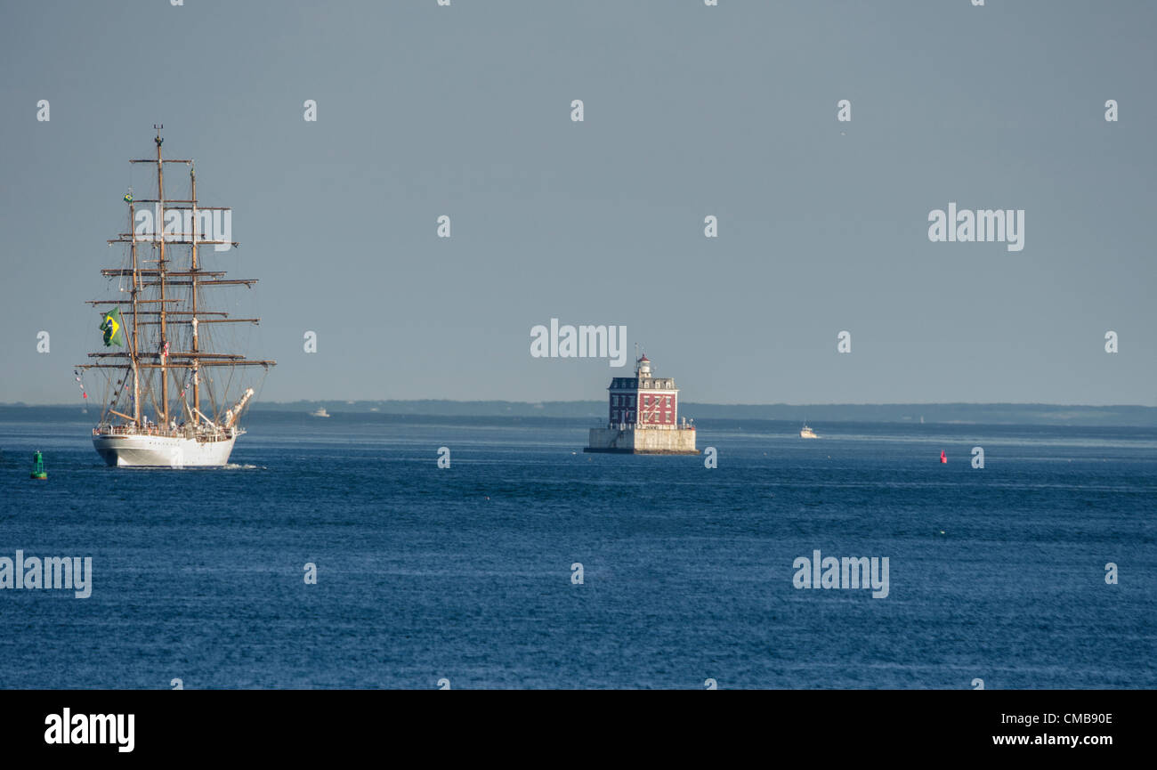 New London, Connecticut, USA - July 9, 2012: The Cisne Branco, which means White Swan, the tall ship of the Brazilian - Stock Image