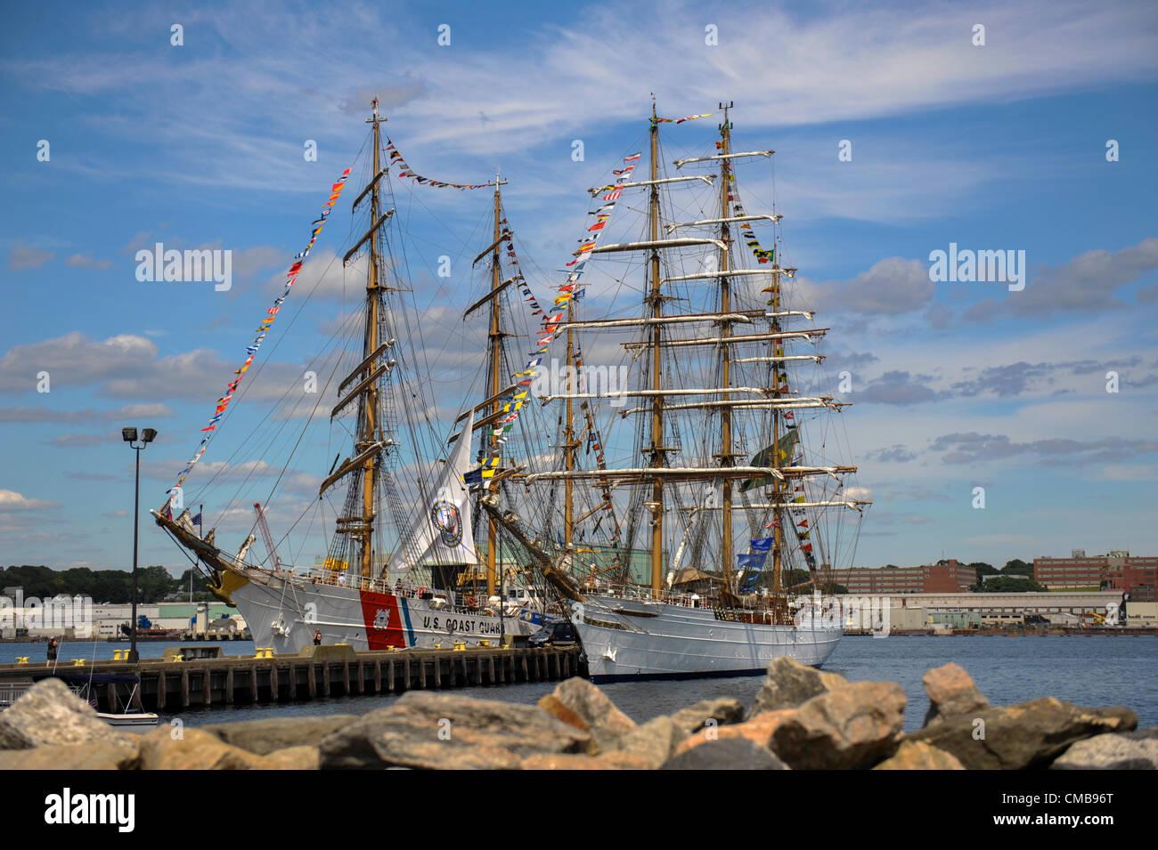 New London, Connecticut, USA - July 9, 2012: The US Coast Guard training ship Eagle and the Brazilian Navy training - Stock Image