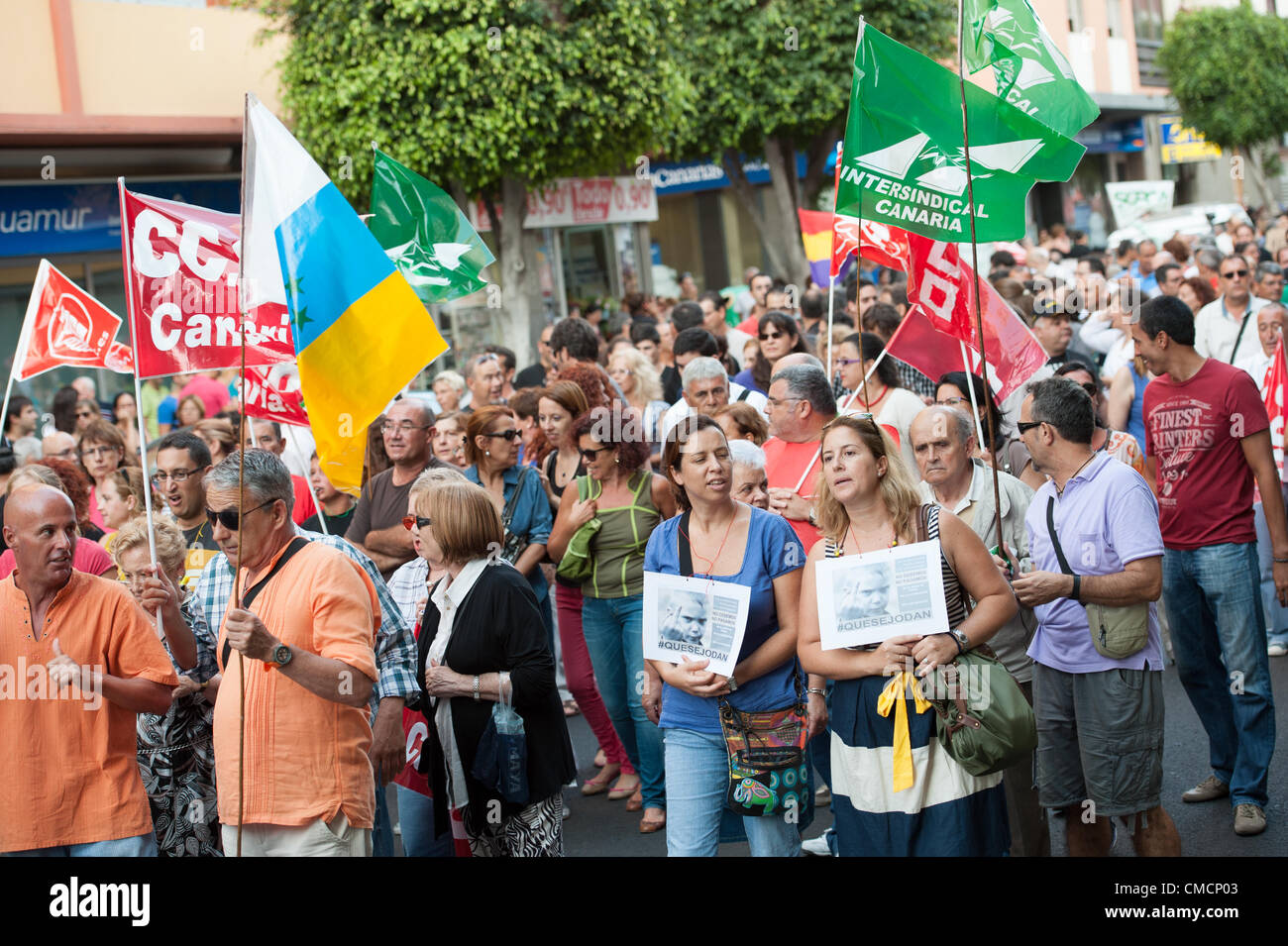 LAS PALMAS, SPAIN–July 19: Huge protests against the Government crisis pay cuts, during the Spanish demonstration - Stock Image