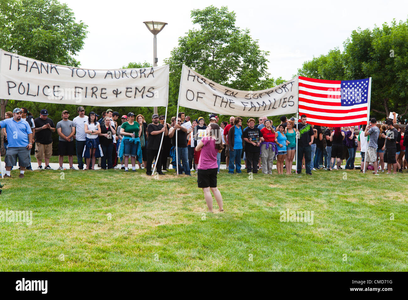 Aurora, CO – Alison Arpin of Colorado Springs instructs supporters within the community how to block picketers from Stock Photo