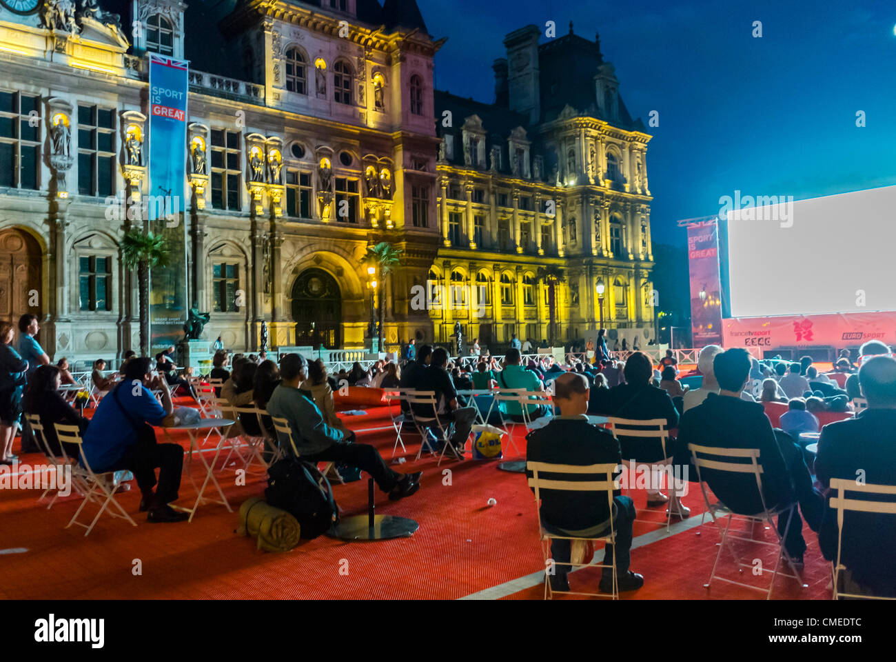 Paris, France - People Viewing Olympics, Live Broadcast on Public Screen at 'Paris Plages' Summer Events - Stock Image