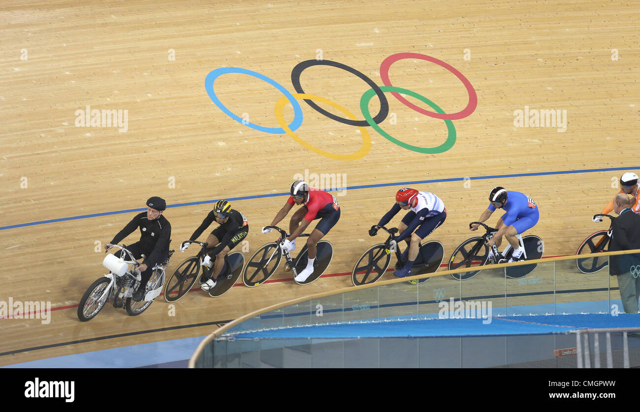 RIDERS BEHIND THE MOTORIZED PA MENS KEIRIN STRATFORD LONDON ENGLAND 07 August 2012 - Stock Image