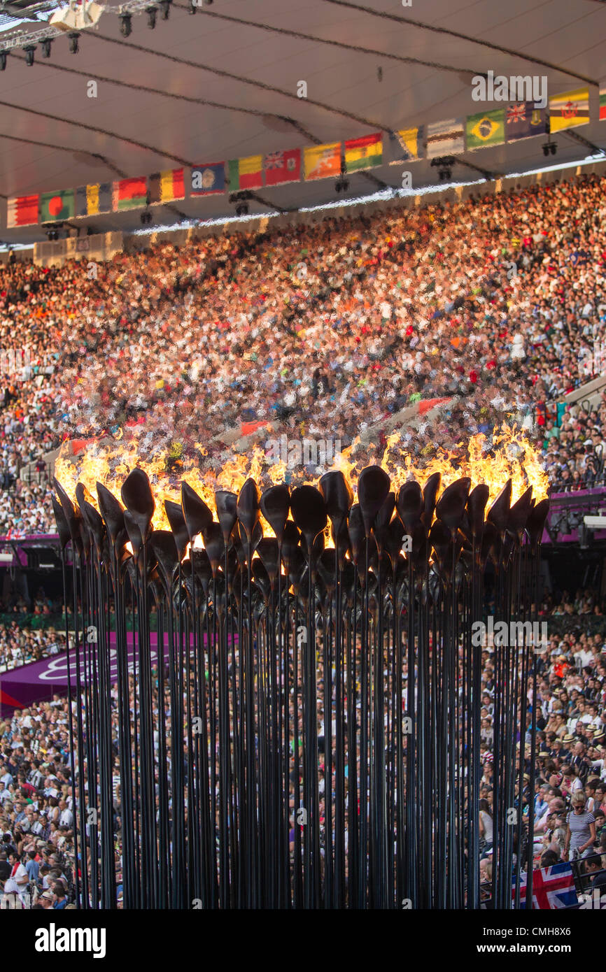 9th Aug 2012. Olympic Flame for the Olympic Summer Games, London 2012 - Stock Image
