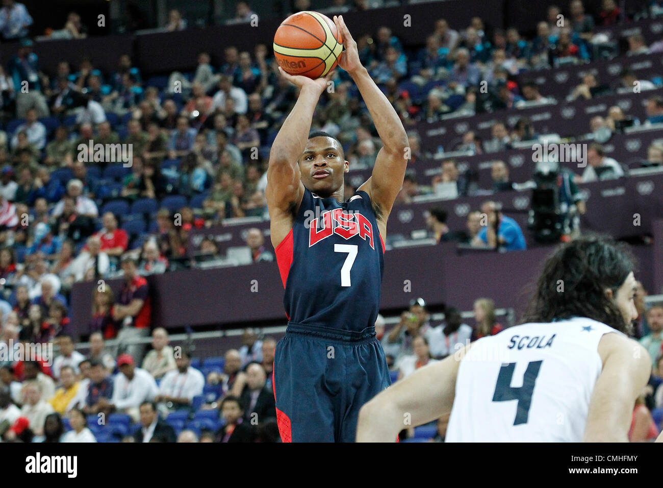 10.08.2012. London, England. USA Russell Westbrook takes a jumpshot during 109-80 Team USA victory over Team Argentina, - Stock Image