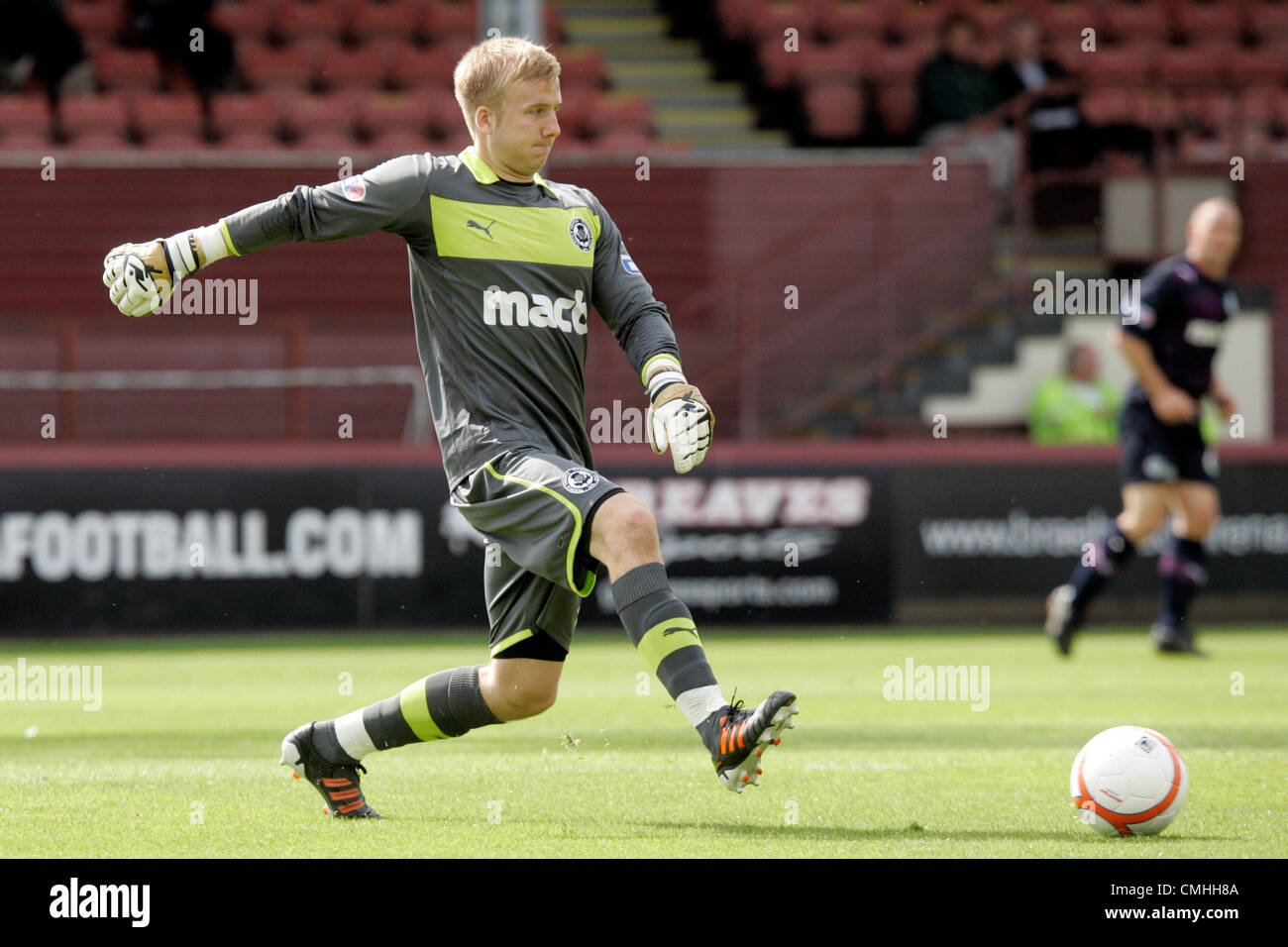 11th Aug 2012. 11.08.2012 Glasgow, Scotland. 1 Scott Fox in action during the Scottish Football League Division - Stock Image