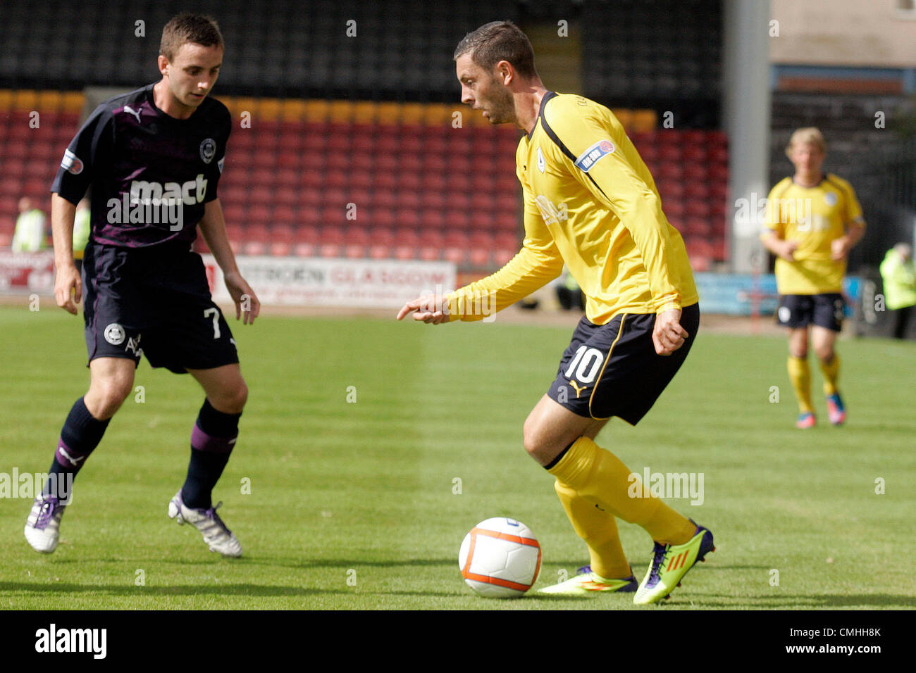 11th Aug 2012. 11.08.2012 Glasgow, Scotland. 10 Andy Hawarth and 7 Steven Lawless in action during the Scottish - Stock Image