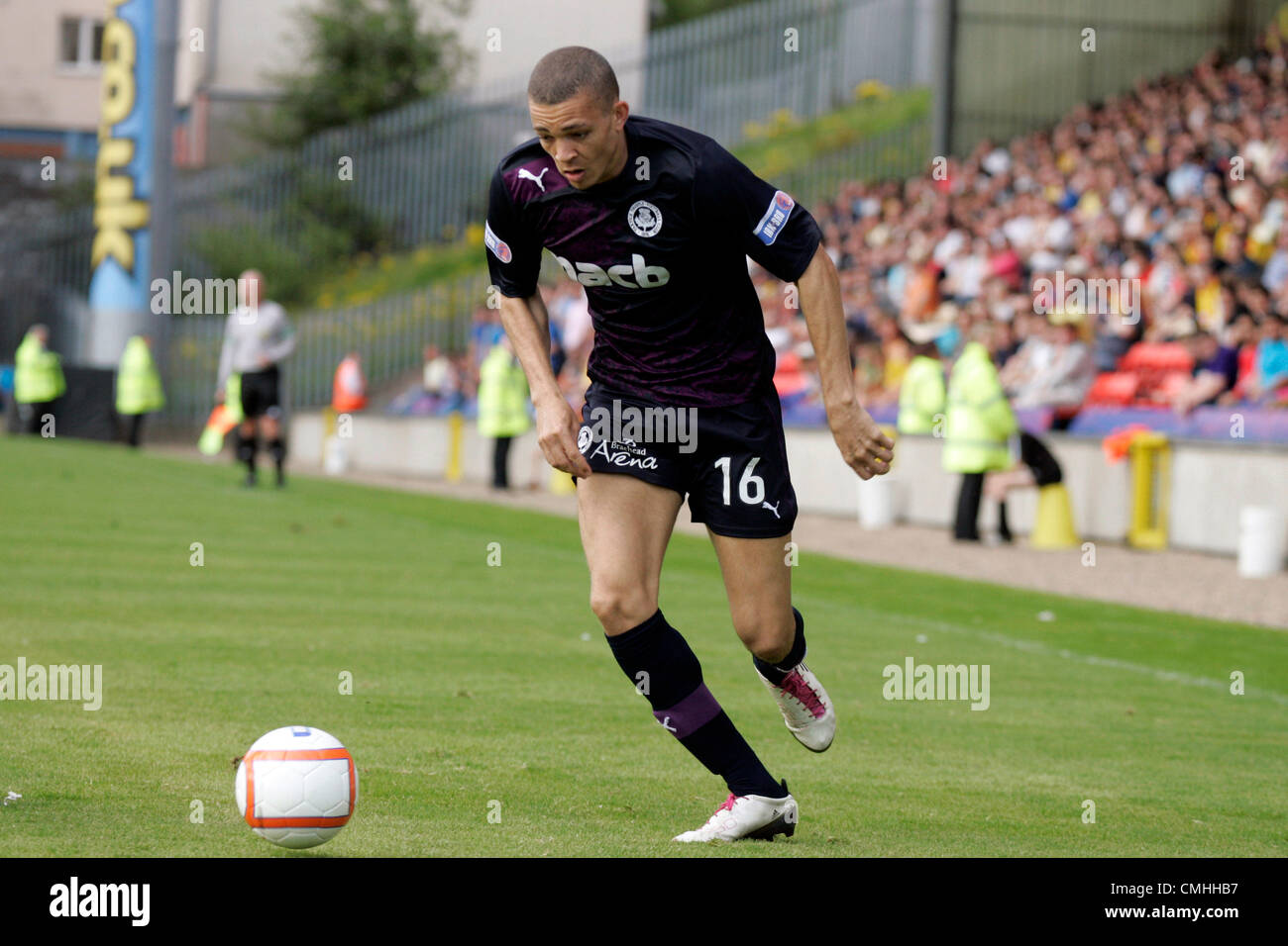 11th Aug 2012. 11.08.2012 Glasgow, Scotland.  16 Aaron Sinclair in action during the Scottish Football League Division - Stock Image