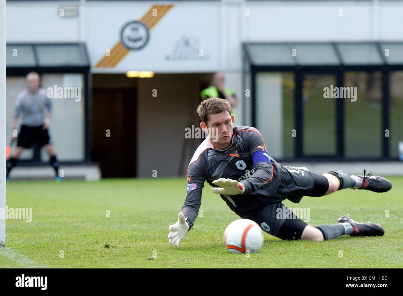 11th Aug 2012. 11.08.2012 Glasgow, Scotland. 1 Michael McGovern in action during the Scottish Football League Division - Stock Image