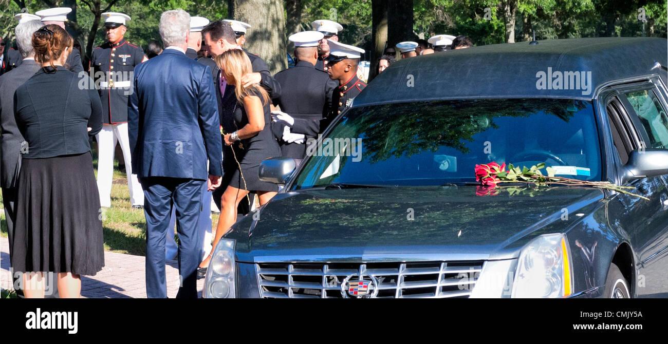 Aug. 18, 2012 - Farmingdale, New York, U.S.: GREGORY BUCKLEY, SR, and MARINA BUCKLEY, parents of Marine Lance Corporal - Stock Image