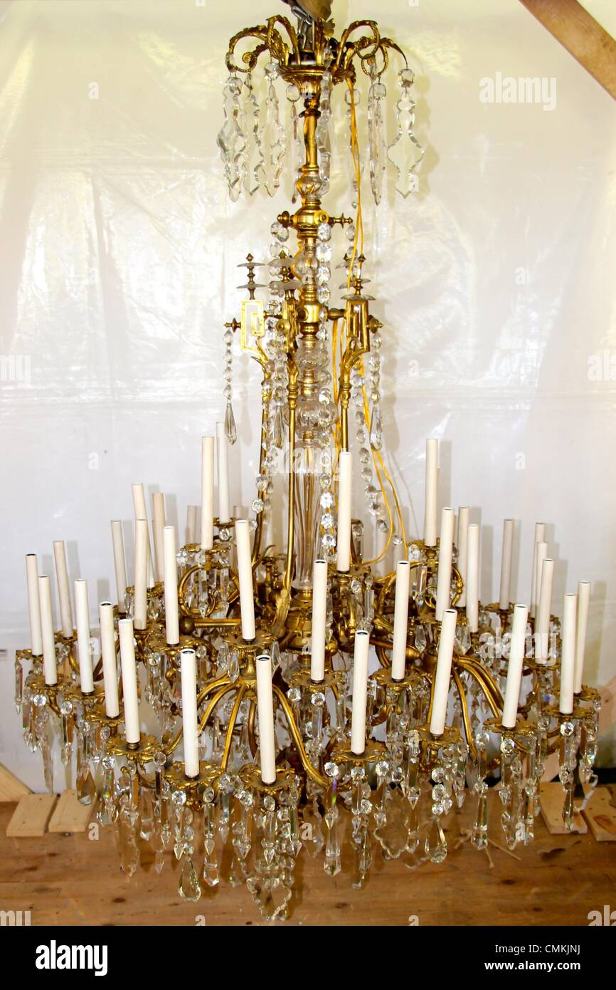 Oprah S Auction Baccarat 19th Century French Crystal Chandelier Is Stock Photo Alamy