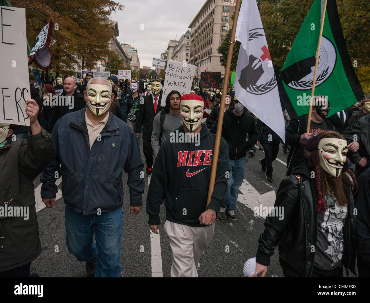 Washington, DC, USA. 05th Nov, 2013. Masked supporters of 'Anonymous' marched from the White House to the - Stock Image