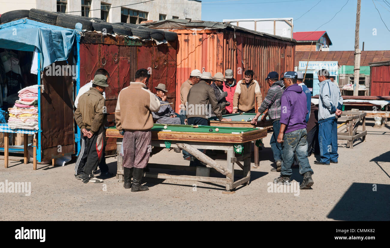 playing pool in Ulan Baatar, Mongolia - Stock Image