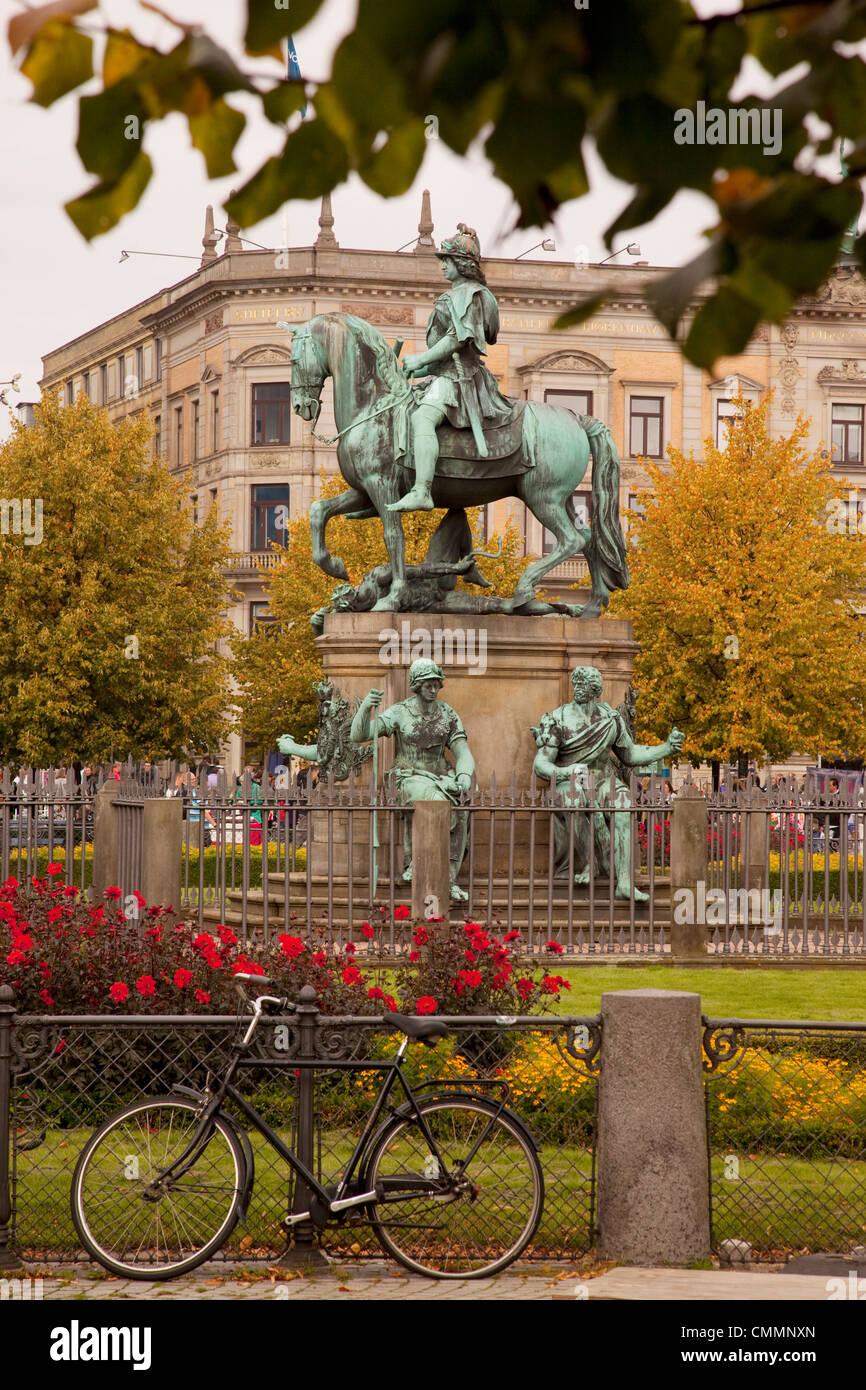 Kongens Nytorv and statue, Copenhagen, Denmark, Scandinavia, Europe - Stock Image