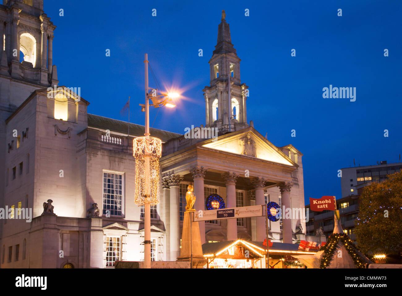 Civic Hall at dusk at Christmas, Leeds, West Yorkshire, Yorkshire, England, United Kingdom, Europe - Stock Image