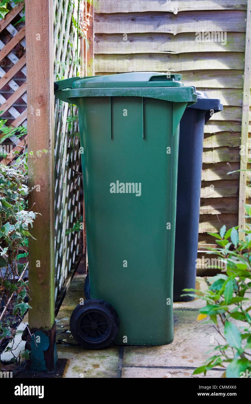 Recycling Bin Uk Stock Photos & Recycling Bin Uk Stock Images - Alamy
