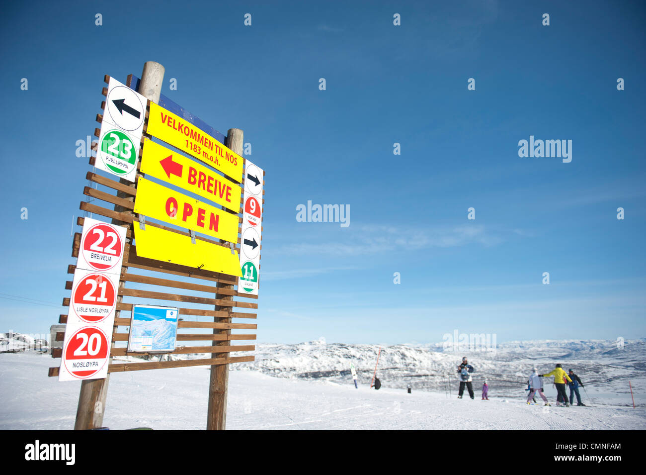 Mountain station with markers indicating directions and slope conditions on the peak of Noose, ski mountain of Hovden, - Stock Image