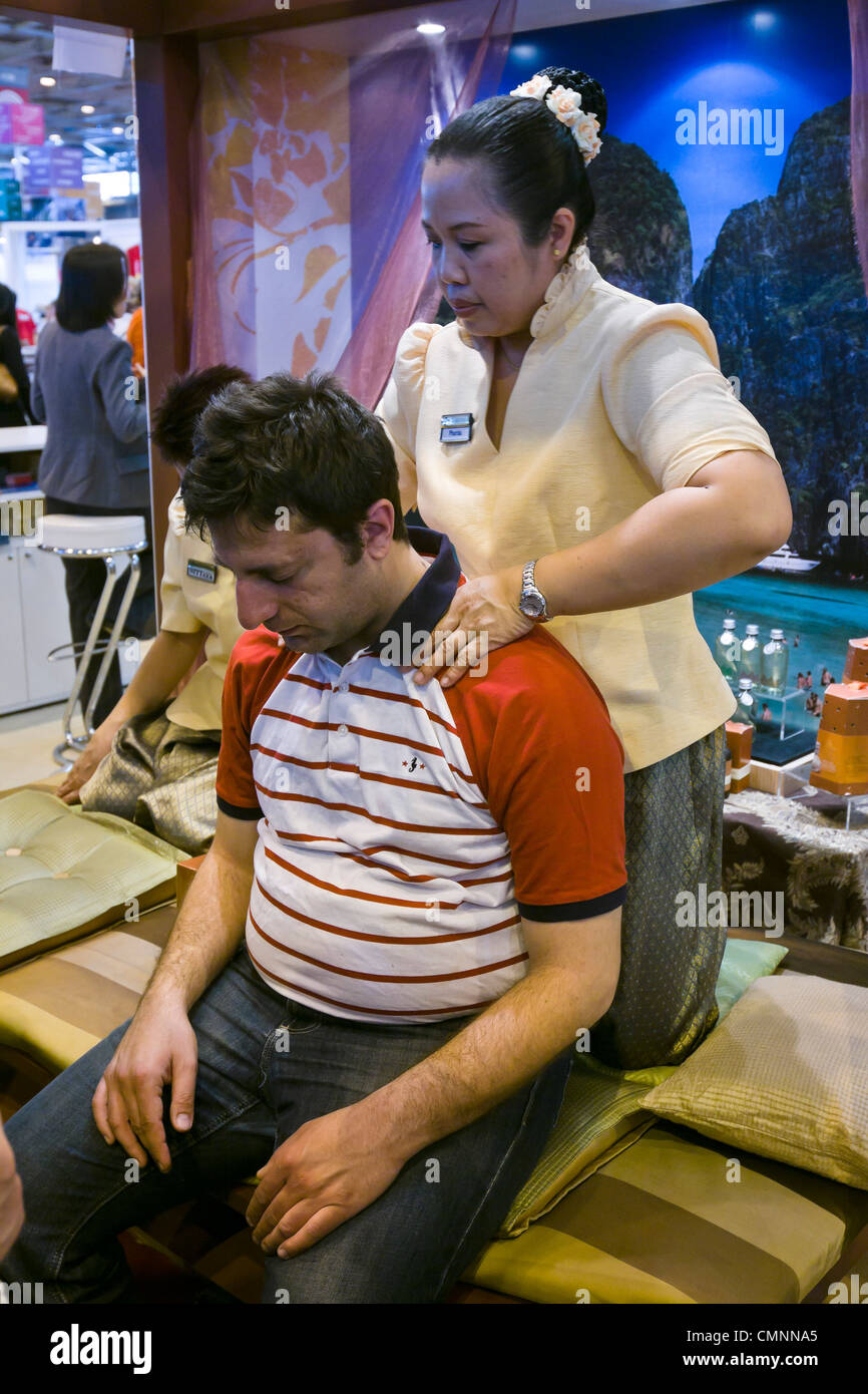 Thai Massage Schwalbach