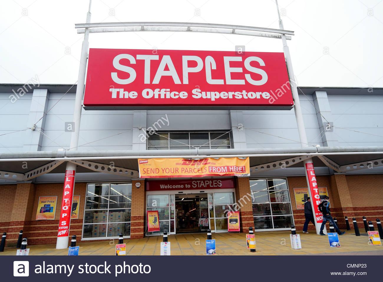 Staples office superstore shop in Kidderminster, UK. - Stock Image