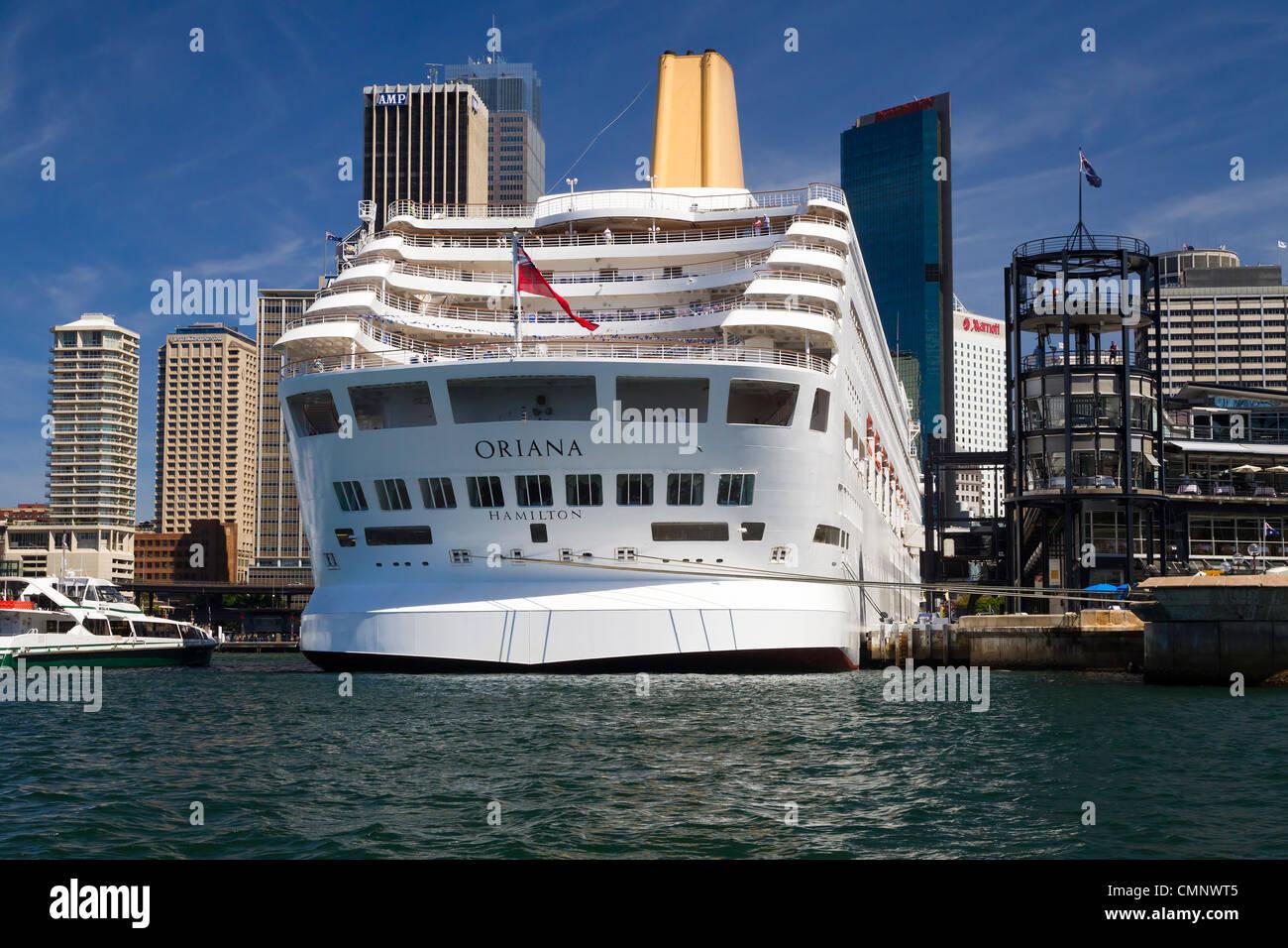 Cruise Ship  P & O Oriana moored at Circular Quay Sydney - Stock Image