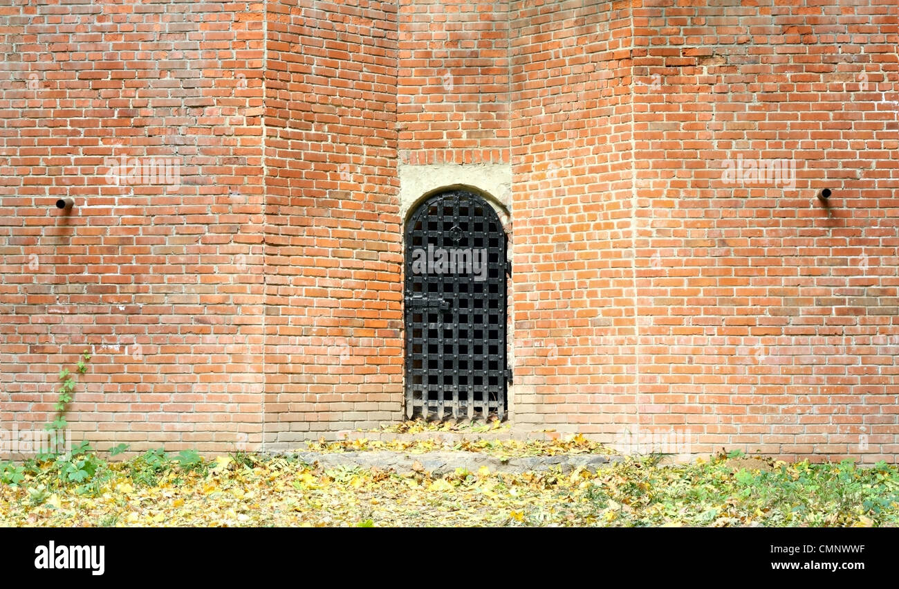 Big Brick Wall High Resolution Stock Photography And Images Alamy