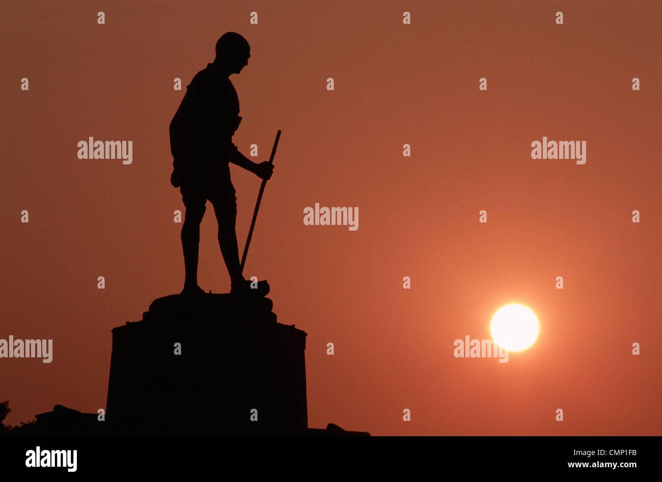 Statue of Mahatma Gandhi at sunrise ( India) - Stock Image