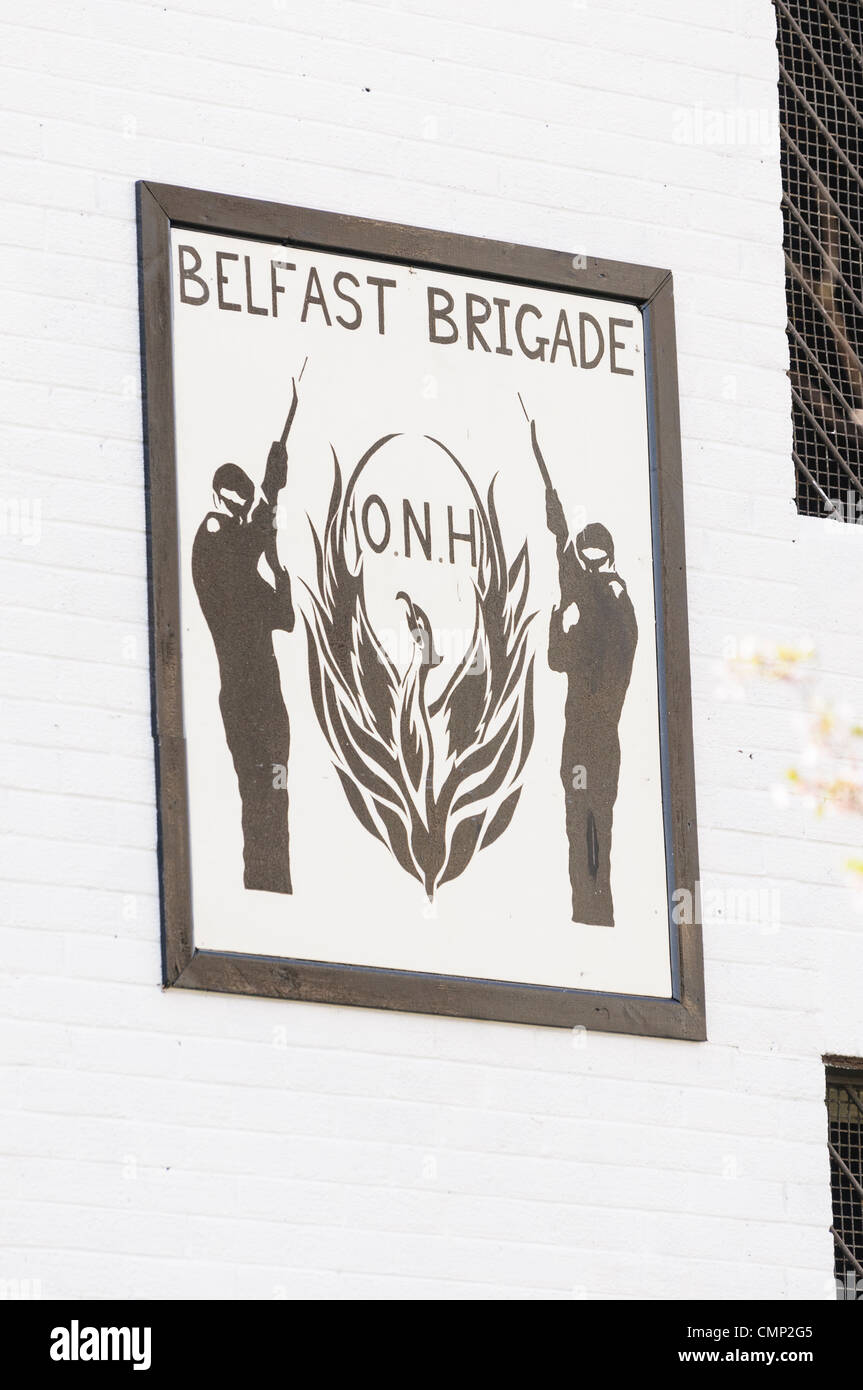Belfast, UK. 24/03/2012. Republican Network for Unity reveals new mural in support of Prisoners in HMP Maghaberry. - Stock Image