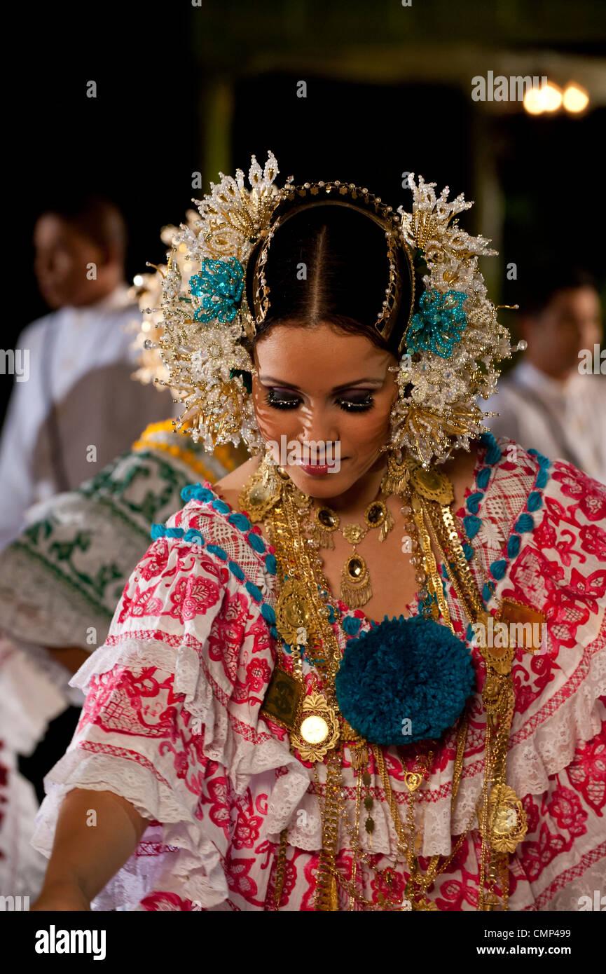 Pollera Dress Stock Photos & Pollera Dress Stock Images ...
