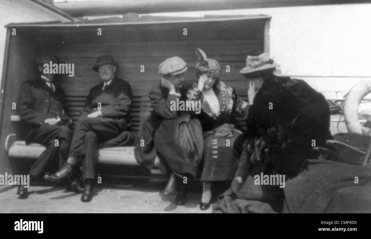 Titanic survivors aboard rescue ship Carpathia - Stock Image
