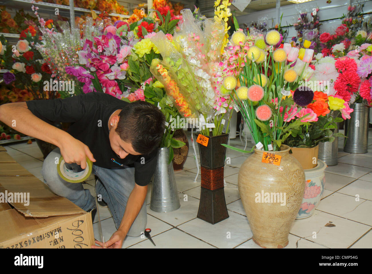 Chatuchak Market Home Decor Selling Artificial Flowers Stock Photos Amp Selling