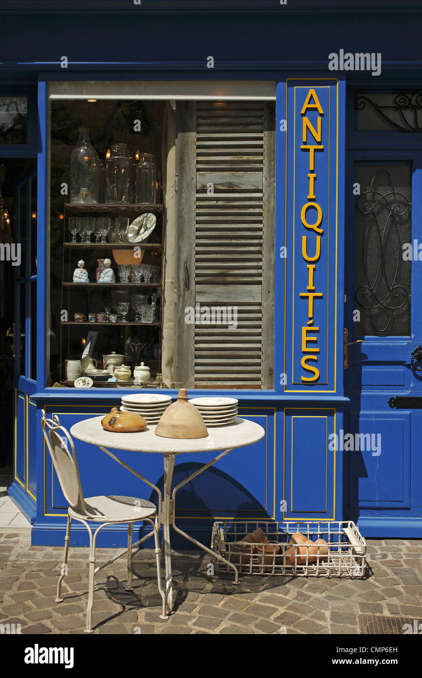 French Antiques Furniture Stock Photos & French Antiques Furniture ...