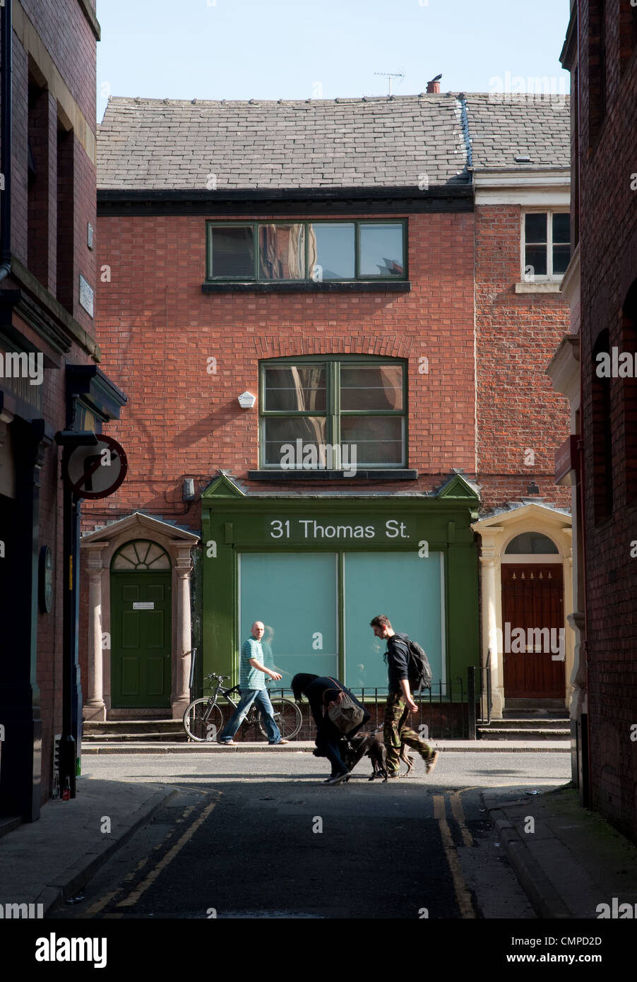 Back streets in the Northern Quarter,Manchester. Looking toward Thomas Street. - Stock Image