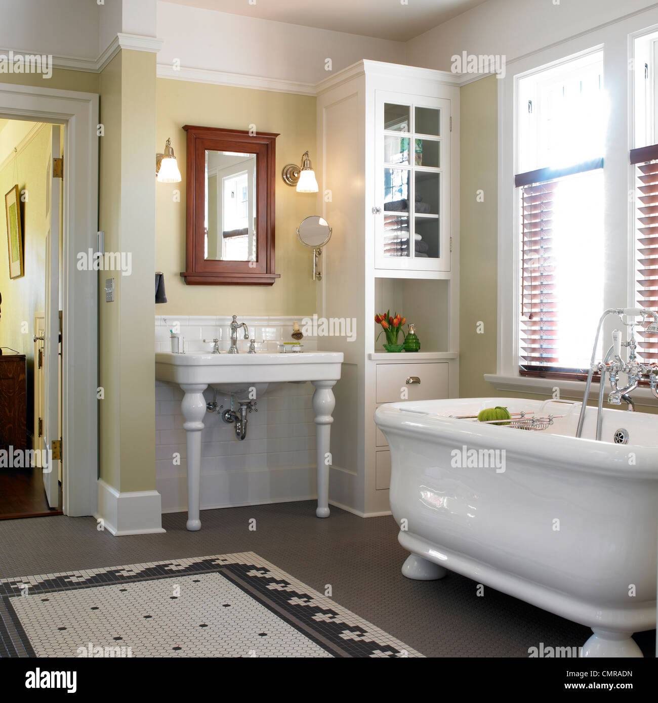 Awesome Arts And Crafts Style Bathroom With White Soaker Tub Download Free Architecture Designs Scobabritishbridgeorg